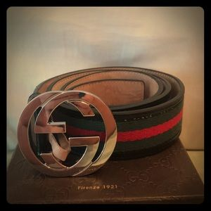 Gucci belt barely worn great condition
